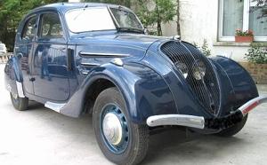 La Peugeot 302 est une automobile de la marque Peugeot produite entre 1936 et 1938.