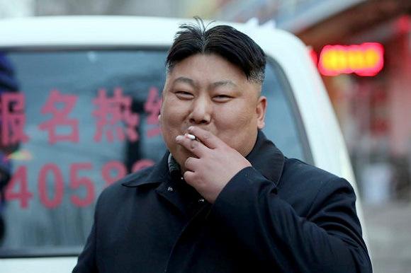 Un honnête citoyen Nord,Coréen qui essaie de ressembler à Kim Jong Un.